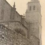 Costado Este de la torre de la Asunción en los años 60 del siglo XX.
