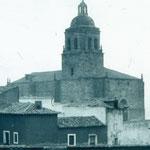 Costados Norte y Oeste de la torre de la Asunción en los años 40 del siglo XX.