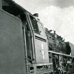 Ot1-8 jedzie luzem z Wrocławia Świebodzkiego do Wrocławia Gądowa ok. 1968r.- maszynista Czesław Zabój, ze zb. Cz.Zabója