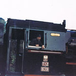 Ty2-639 ok. 1981 roku na stacji Gryfów. Maszynista Stanisław Brodziak. Ze zbioru Stanisława Brodziaka.