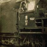 Na lokomotywie Ot1-11 maszynista Marceli Dobruckioki ok.1959, ze zb. M.Michaluka