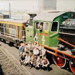 Załoga lokomotywowni na tle wyremontowanej TKt48. Ze zbioru A.Chromika.