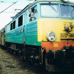 EU07-460 na St. Węgliniec około 1991, w oknie maszynista R. Milewski ze zb. R. Milewskiego