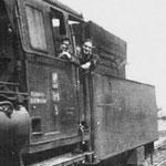 Tr6-5 w Piechowicach około 1949r. Borowski Henryk (drzwi) Job Antoni (okno) foto.: ze zbioru Edwarda Joba