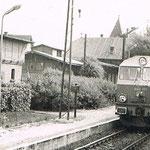 Sobieszów SU46-025 z pociągiem do Jeleniej ze zb. M.Kuca