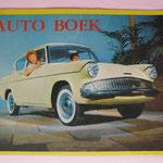 Auto Boek. Het nieuwe auto boek met leuke versjes voor de kleinen, technische gegevens voor de groteren en originele kleurenfoto's.