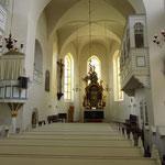 Die Burgkirche von innen