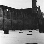 Bas-côtés de l'église détruite (1)