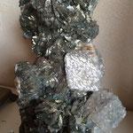 Pièce exceptionnelle de 8 kg (25cm x 12 cm) de Marcassite incrustée de Quartz - Panasqueira