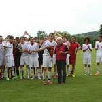 Wimpelübergabe erste Mannschaft (Meister Kreisliga B2)