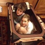 Es würden auch 2 (große!) Baby's da rein passen...