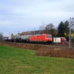 Leerkesselgüterzug mit 185 186 und...