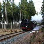 65 1049 mit Sonderzug nach Schwarzenberg kurz vor Scheibenberg