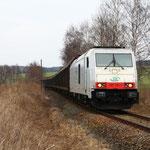 285 105 auf der Anschlussbahn 5