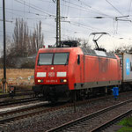 145 075 mit Containerzug in Coswig
