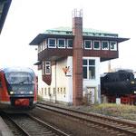 52 8131 am Bahnhsteigstellwerk in Zittau