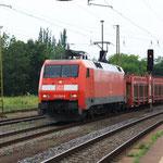 152 004 mit französischen Autowagen in Coswig(bDresden)