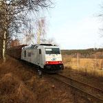 285 108 auf der Anschlussbahn kurz vor Weißenborn