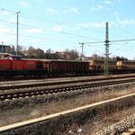 294 825 steht zur Abfahrt bereit in Freiberg