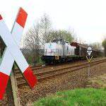 293.01 wartet mit mit dem letzten Zug aus der Papierfabrik Weißenborn  auf die RB  (2)