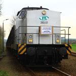 293.01 wartet mit dem letzten Zug aus der Papierfabrik Weißenborn auf die RB  (1)
