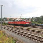 232 255 und 232 254 mit Leerschotterzug in Kamenz