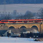 Erste Fahrt des Tages auf dem Colmnitzer Viadukt
