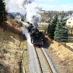 65 1049 mit Sonderzug nach Schlettau bei der Ausfahrt aus dem Bahnhof Markersbach