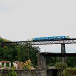 845 001 auf dem Viadukt in  Klostergrab