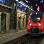 442 116 mit S-Bahn in DH