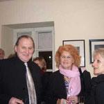 Chefretakteur OÖNachrichten Kurt Guggenbichler, Frau Magarete Glaubacker Art Management, eine Künstlerin aus Athen.
