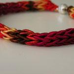 """Armband, gestrickt aus """"Daria Multi"""" von Noro"""