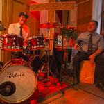 Die Swing-Combo mit David Drechsel (dms) und Ulli Baral (Cajon)