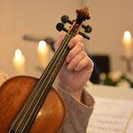 Eli an der Geige 2