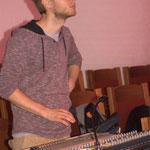 Lukas am Digi-Pult beim Soundcheck!
