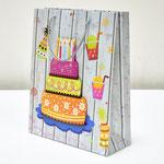 арт. 9277A-26 Пакет для подарков Торт со свечами 26*32*10 см. Оптовая цена 60 руб.