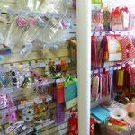 Топперы, очки для карнавала, праздничные пакеты для подарков