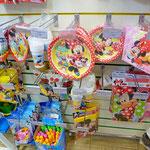 Аксессуары для праздника: тарелки, стаканы, салфетки, тематические воздушные шары