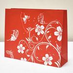арт. 1304-2XL Пакет для подарков Цветы и бабочки Красный 38*30*11 см. Оптовая цена 55 руб.