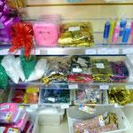 Наполнители для воздушных шаров: конфетти, глиттер (декоративные блестки), пенопластовые шарики. Конфетти для конфетти машин