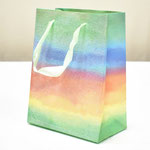 арт. BK999-A1 Пакет для подарков Светлая радуга с блёстками 23*18*10 см. Оптовая цена 45 руб.