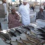 海岸の魚市場(スーク)バラクータ・サメ・イワシなどなど
