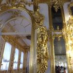 各部屋の金色に輝く装飾にくらくら~