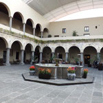 プエブラ キンタ・レアル・ホテル中庭