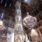 ウスペンスキーの内部 聖人と殉教者が描かれている
