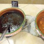 土鍋で煮込まれたモーレ・ネグロ