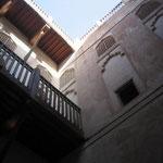 ジャブリン城 木彫りの窓の細工が見事