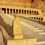 Храм Хатшепсут.