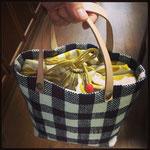 手織りバックS ギンガム白紺 ¥5000(sale)