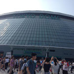 開場時の東京ドーム正面の様子
